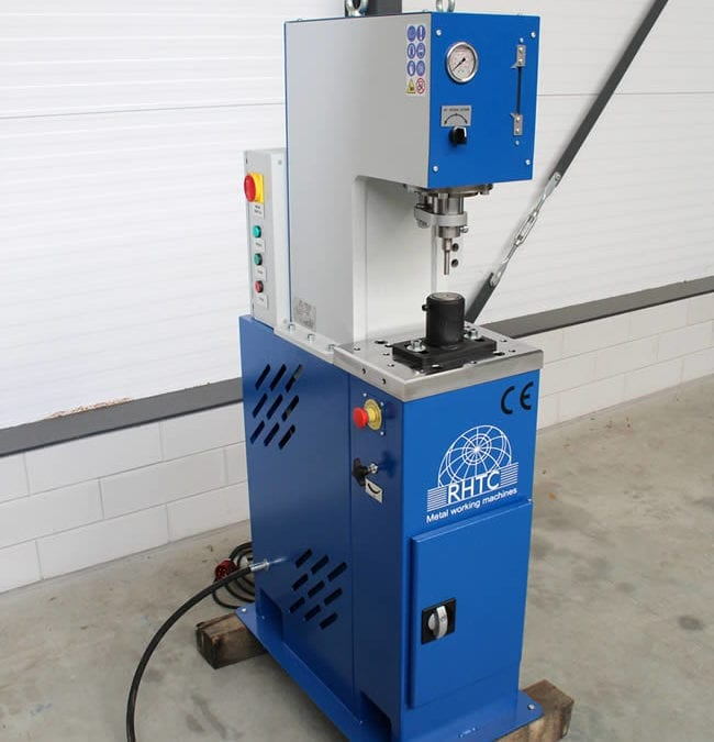 Hydraulic Punch Press Machines   A Quick Guide