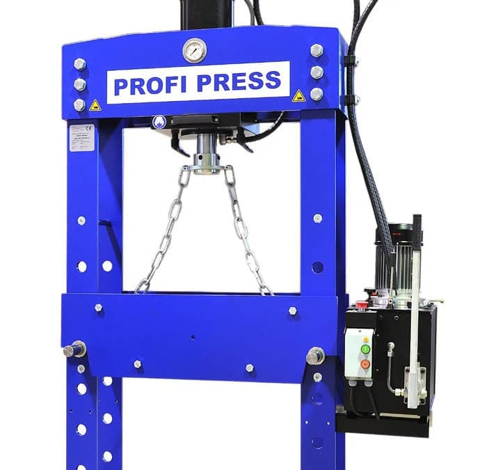 hydraulic press uses