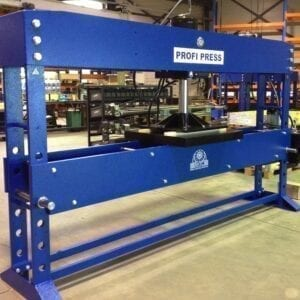 100 Ton workshop press with 3000 mm working width